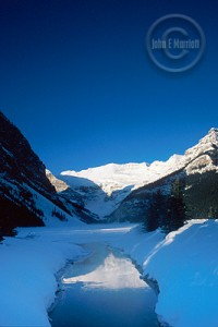 Lake Louise, popular with hikers for a good reason.