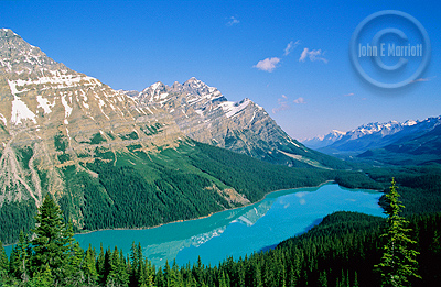 youth hostels in banff canadian rockies vacations guide. Black Bedroom Furniture Sets. Home Design Ideas